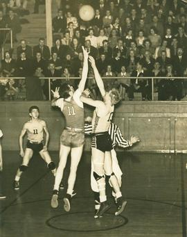 Basketball game, 1940s