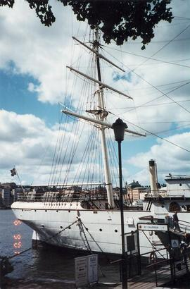 Ship, Choir of the West Norway and Sweden Tour 2001