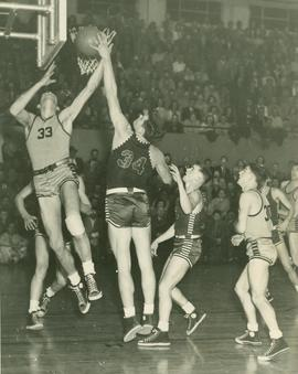 Basketball game, 1947-1948