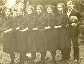 PLA women's basketball team (outdoors), 1907